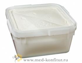 С маточным молочком таёжный мёд (1%,белый крем-мёд)