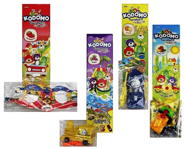 """103084 LION """"Kodomo"""" Детская зубная паста, со вкусом фруктов (мультифрукт), с 6 месяцев + игрушка, 45 г"""