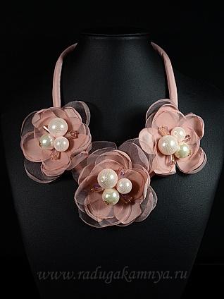 """Колье \"""" Цветы \"""" на шнурке цв.розовый, 50см"""