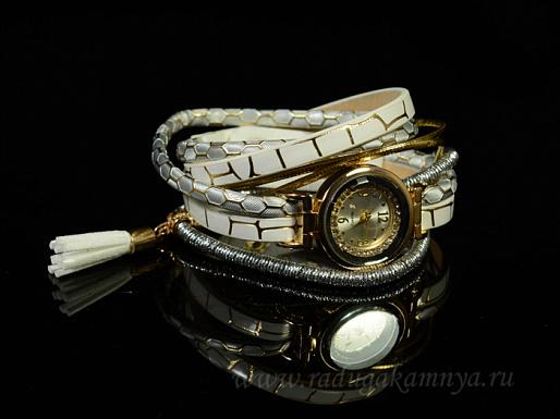 Часы-браслет на кожанном ремешке с цирконами Модель №5 цв.белый, 38см
