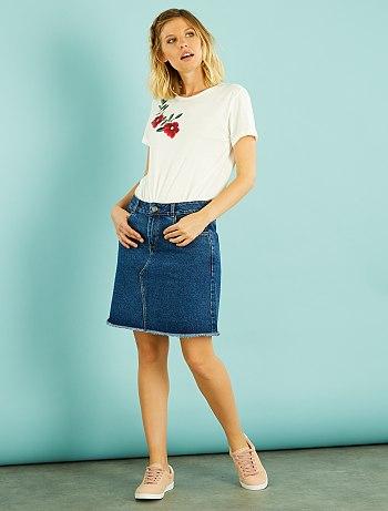 Джинсовая юбка с эффектом обтрепанных краев