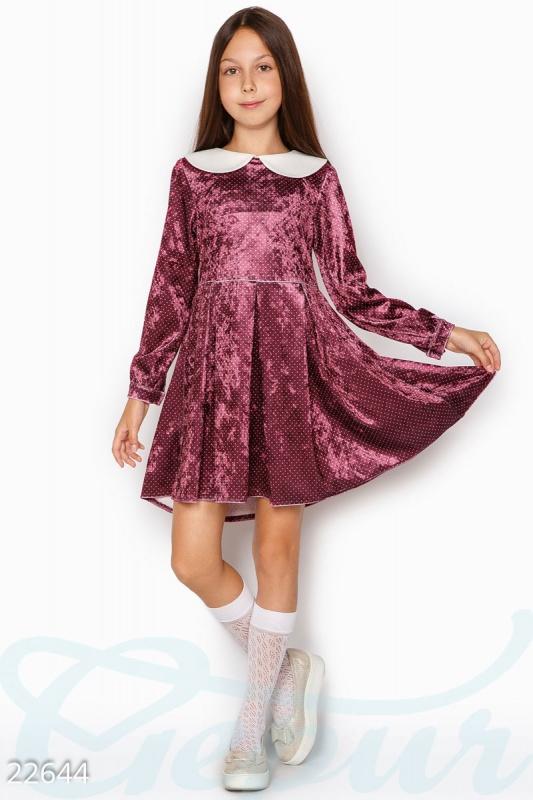Бархатное платье девочки