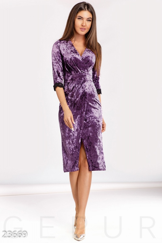 Необычное велюровое платье