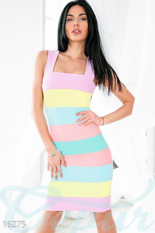 Летнее разноцветное платье