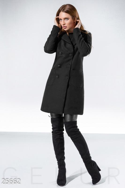 Женское пальто-трапеция
