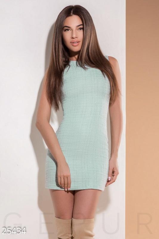 Элегантное платье букле