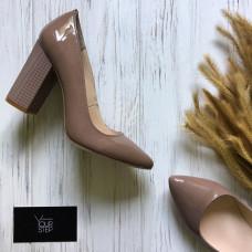 Туфли на устойчивом каблуке из розово-бежевого лака Арт. 35-1/42