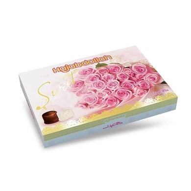 """Конфеты из пашмалы ассорти с молочным вкусом в белой глазури и вкусом ванили, кофе и имбиря в шоколадной глазури в подарочной упаковке \""""Роза\"""" розовая 300 г"""