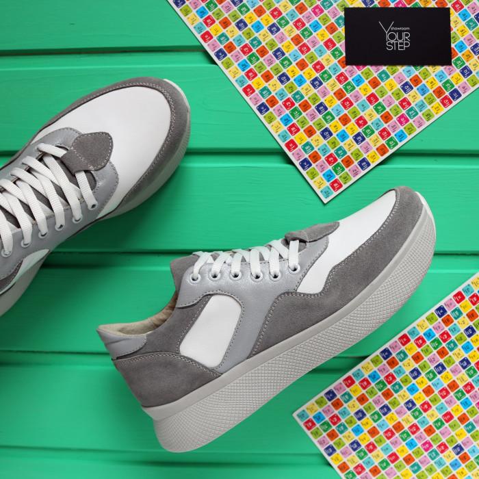 Кроссовки серого цвета с блестящими вставками Арт. Om-1