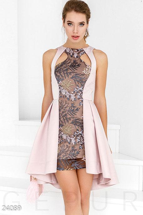 Впечатляющее коктейльное платье