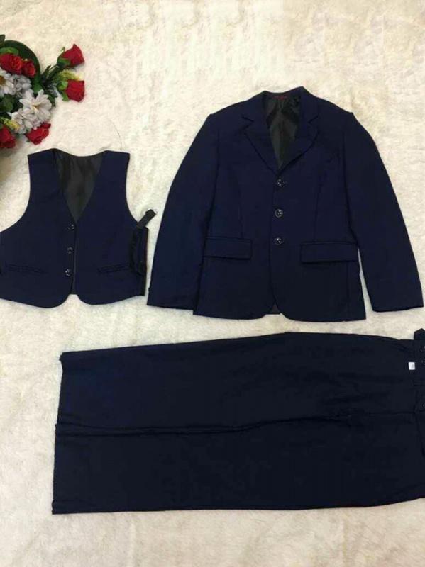 Костюм (брюки, жилет и пиджак)