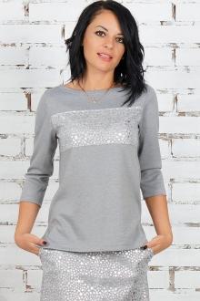 Трикотажная блуза с серебряным декором