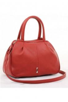 Красная сумка изящной формы