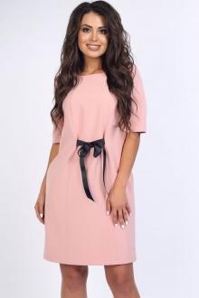 Эффектное платье с бантом