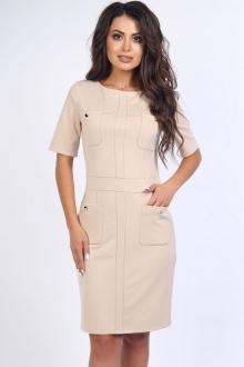 Однотонное платье с карманами