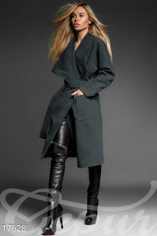 Шерстяное пальто на запáх