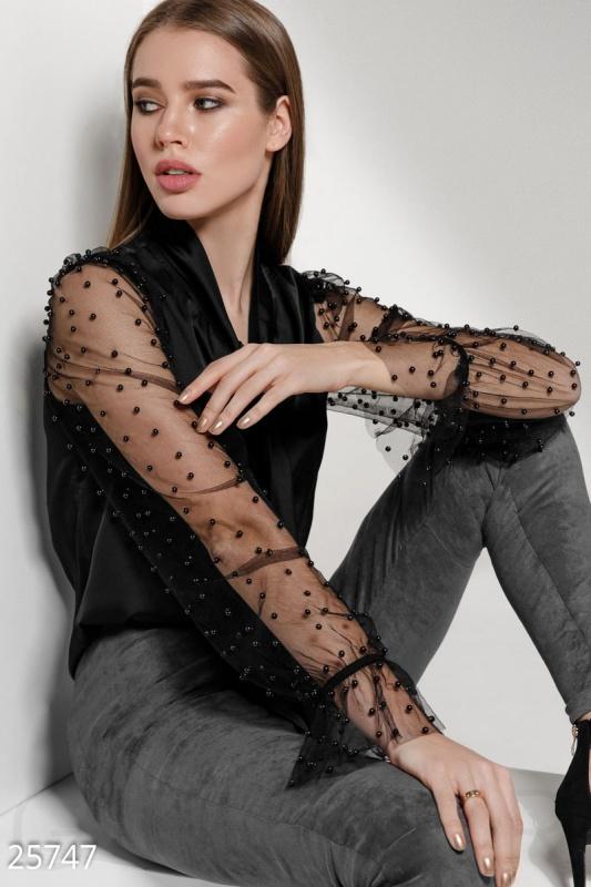 Эффектная шелковая блуза