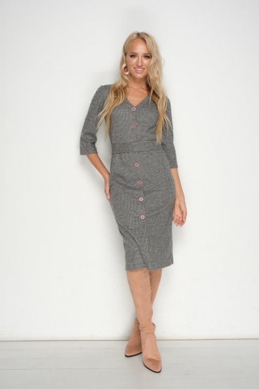 Стильное платье со сквозной застёжкой