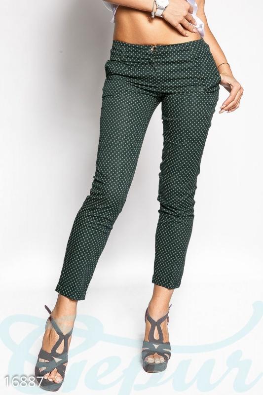 Трендовые укороченные брюки Подробнее: https://gepur.ru/product/bryuki-16887
