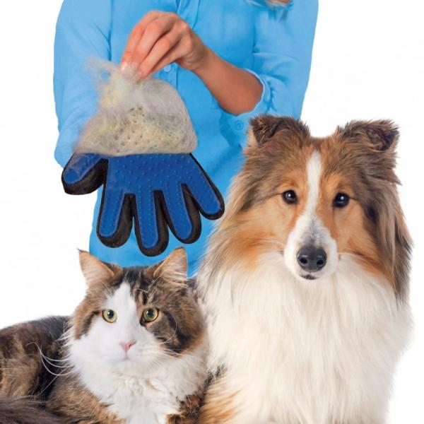 Перчатка для вычесывания шерсти домашних животных True Touch 111571