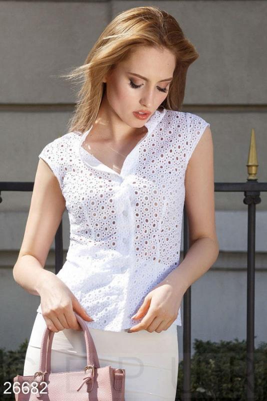 Прозрачная летняя блуза