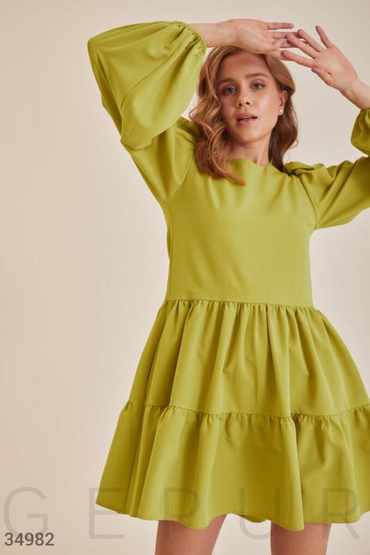 Платье с многоярусной юбкой