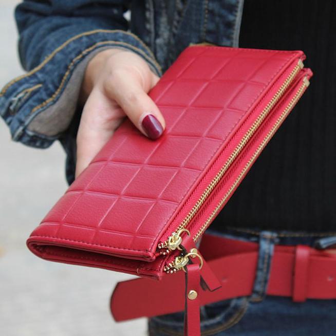 Вместительный тонкий кошелек.  W-138-RED